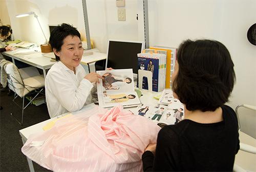 デザインを決める オーダーメイドの洋服屋さん SU MISURA ス・ミズーラ